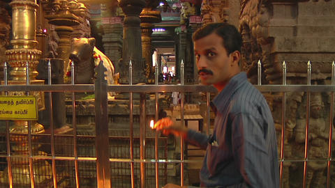 MUDARAI, INDIA – SEP 23, 2011: Hindu Believer in Meenakshi Temple Footage