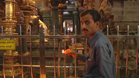 MUDARAI, INDIA – SEP 23, 2011: Hindu Believer in Meenakshi Temple Footage