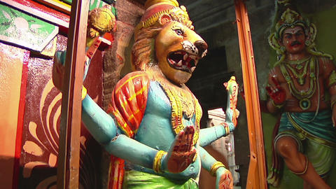 MUDARAI, INDIA – SEP 23, 2011: Sculptures Inside Meenakshi Temple Footage