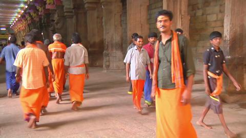 MUDARAI, INDIA – SEP 23, 2011: Hindu Believers in Meenakshi Temple Footage