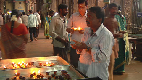 MUDARAI, INDIA – SEP 23, 2011: Man Praying in Meenakshi Hindu Temple Footage