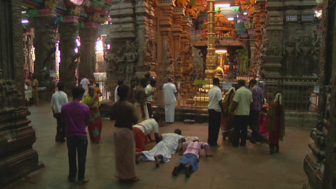 MUDARAI, INDIA – SEP 23, 2011: People Inside Meenkashi Temple Footage