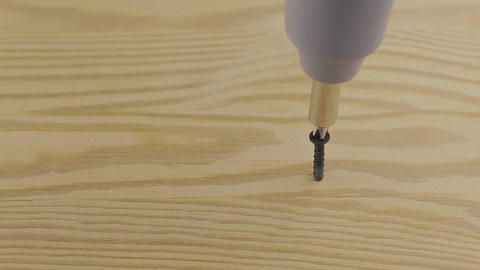 Struggling to get screw in with electric screwdriver Footage