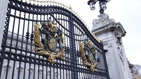 Gate of Buckingham Palace, London, United Kingdom Live Action